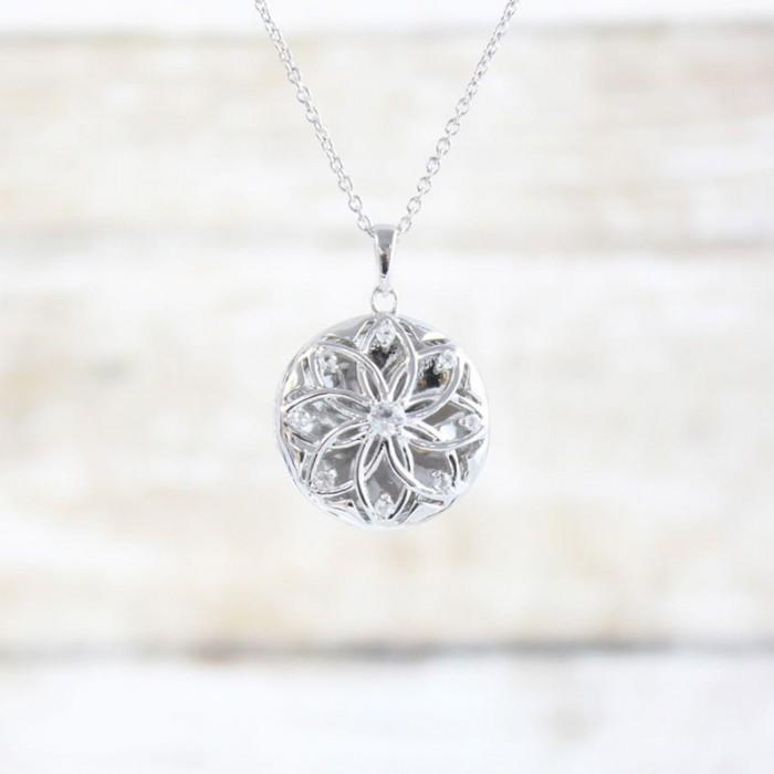 https://www.vancottjewelers.com/upload/product/Helen-Silver-Lifestyle-1100px-min.jpg