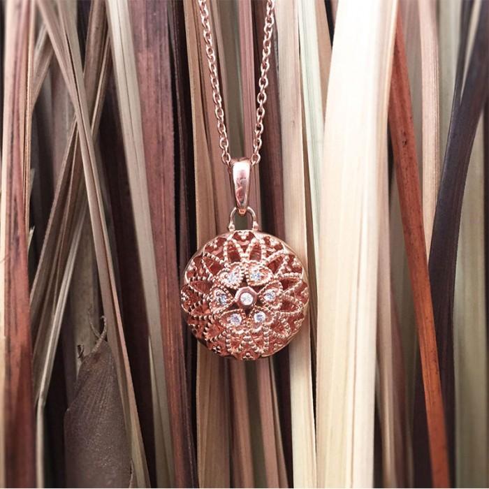 https://www.vancottjewelers.com/upload/product/Laney-Lifestyle-1100px-min.jpg