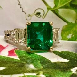 Zambian Emerald Beryl and Diamond Ring